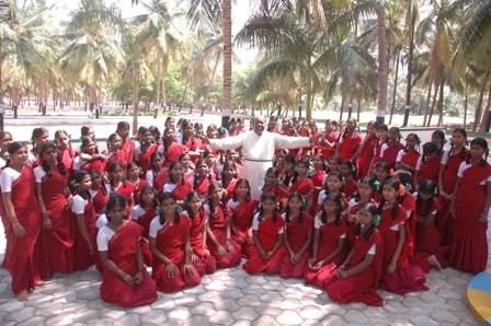 Senior girls with Dr.Jay